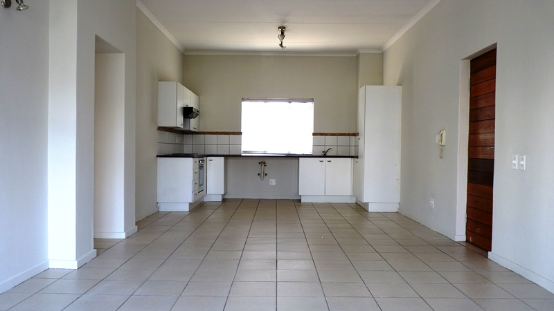 Douglasdale property to rent. Ref No: 13401764. Picture no 4