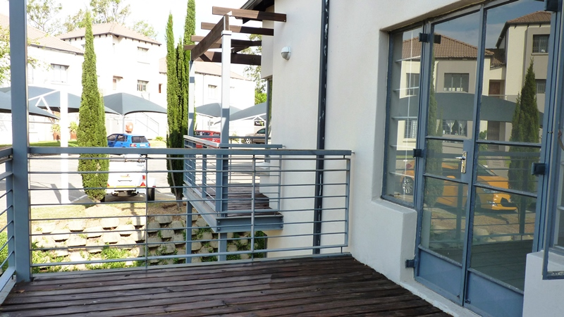 Douglasdale property to rent. Ref No: 13401764. Picture no 5