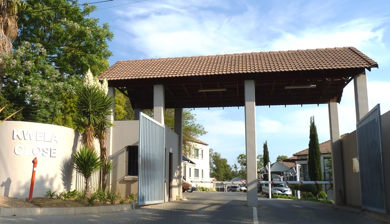 Douglasdale property to rent. Ref No: 13401764. Picture no 17