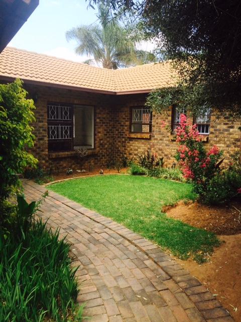 Randburg, Randparkrif Property  | Houses To Rent Randparkrif, RANDPARKRIF, Simplex 3 bedrooms property to rent Price:, 12,00*