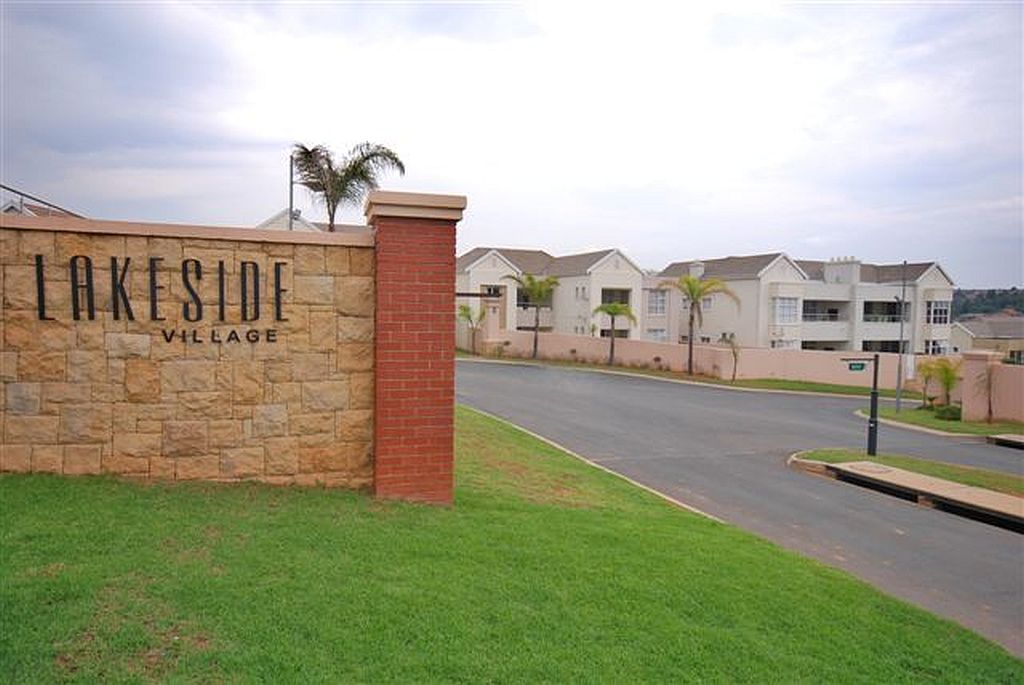 Roodepoort, Eagle Canyon Golf Estate Property  | Houses To Rent Eagle Canyon Golf Estate, EAGLE CANYON GOLF ESTATE, Townhouse 2 bedrooms property to rent Price:, 19,50*