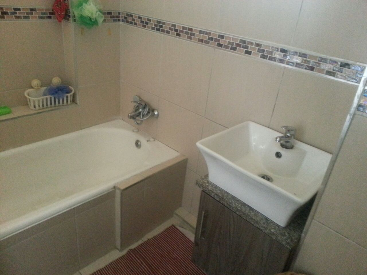 Morningside property to rent. Ref No: 13394721. Picture no 10