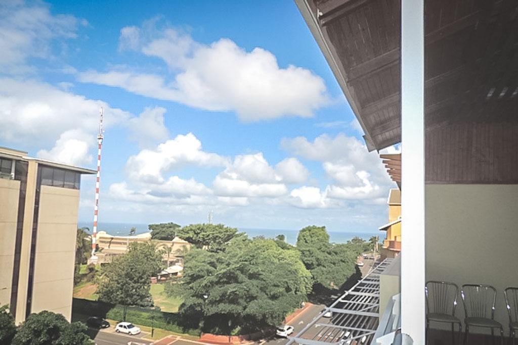 Umhlanga, Umhlanga Rocks Property    Houses To Rent Umhlanga Rocks, UMHLANGA ROCKS, Apartment 3 bedrooms property to rent Price:, 20,00*