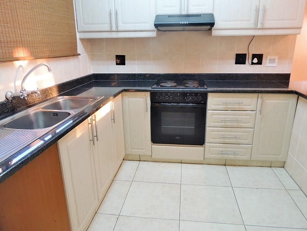 Sunningdale property to rent. Ref No: 13399919. Picture no 3