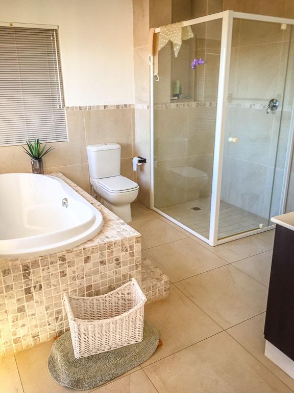 Umhlanga property to rent. Ref No: 13401375. Picture no 9