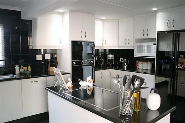 Umhlanga property to rent. Ref No: 13400464. Picture no 3