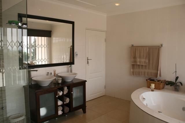 Umhlanga property to rent. Ref No: 13400464. Picture no 9