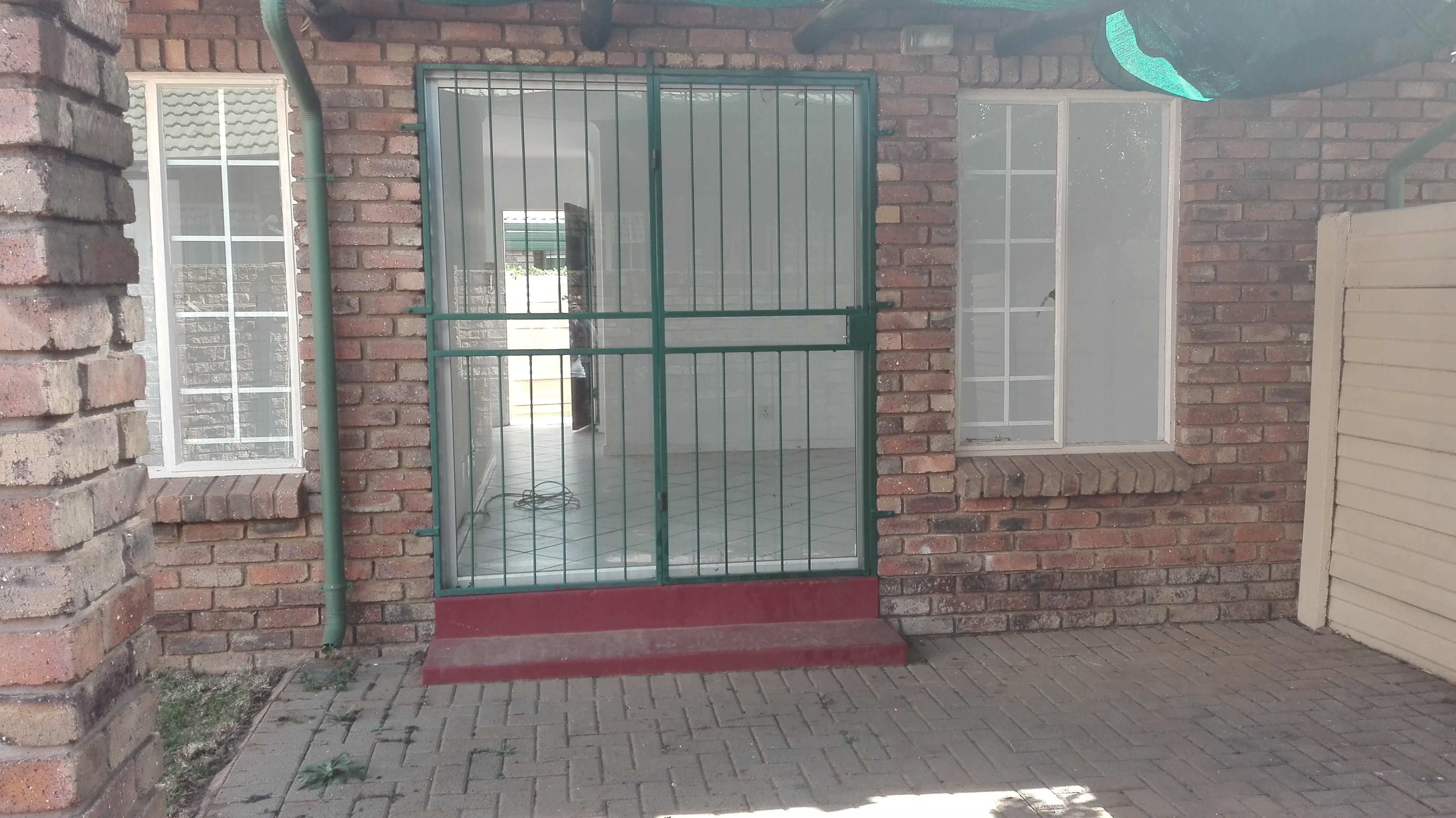 Pretoria, Elarduspark Property  | Houses To Rent Elarduspark, ELARDUSPARK, Simplex 2 bedrooms property to rent Price:,  7,00*