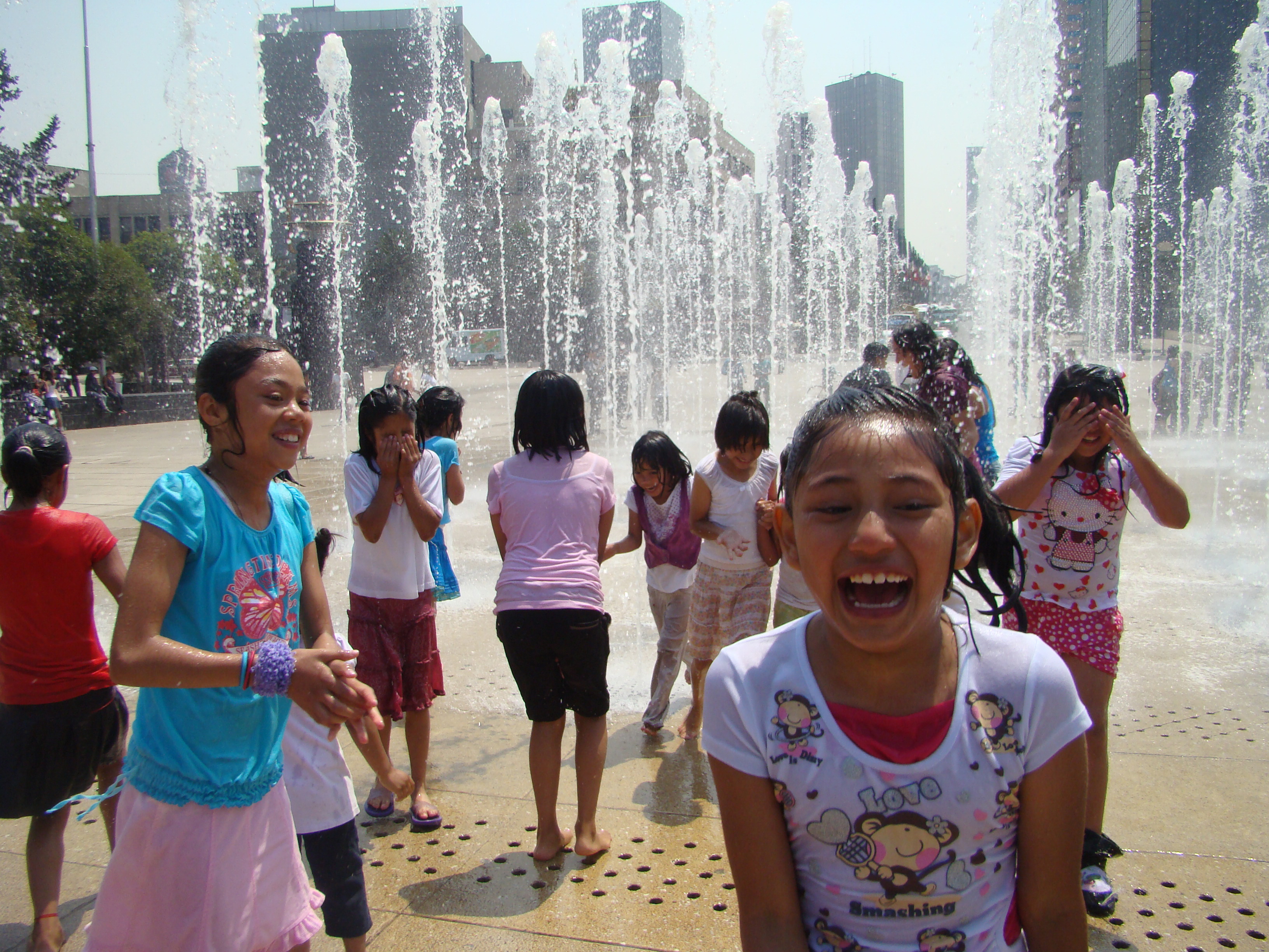 Fondeadora | Ayuda y Solidaridad con las Niñas de la Calle