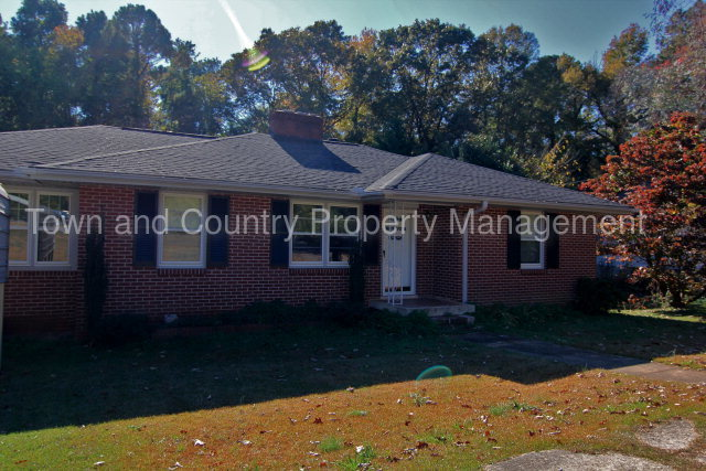 Town And Country Greenwood Sc >> 1806 Highway 246 South Greenwood Sc Usa
