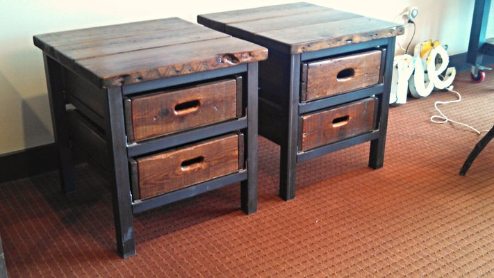 #511 End Table w/ 2x drawers