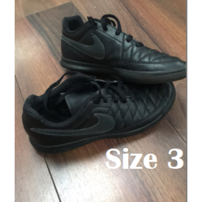 Astro trainers size 3 %281%29