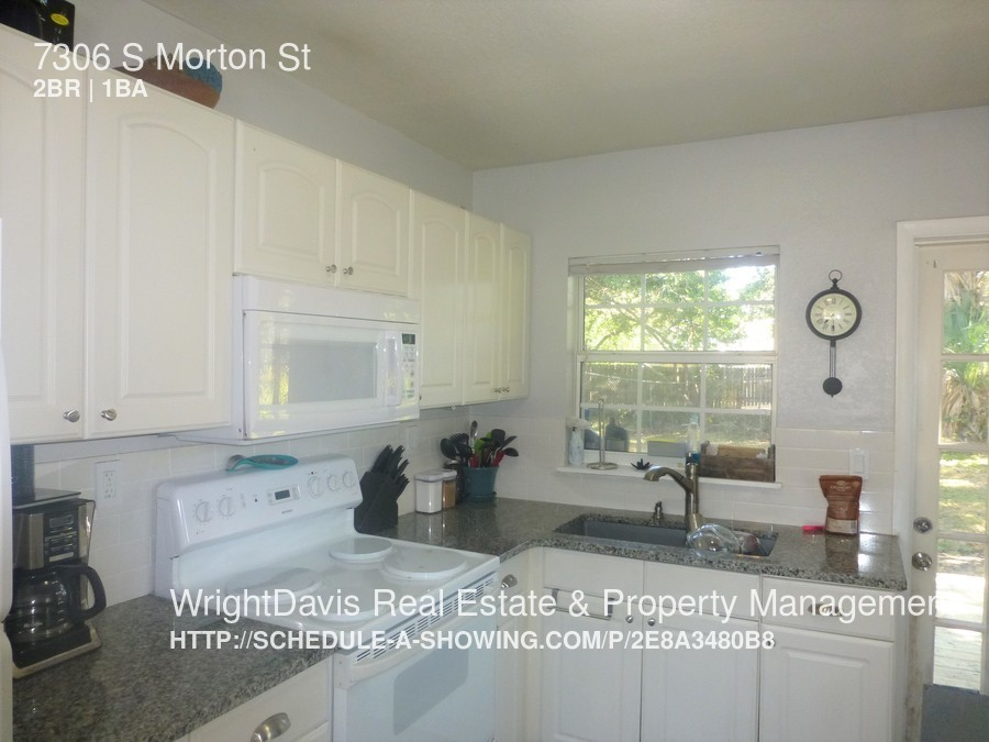 7306 S Morton St Charming remodeled 2 bed/1 bath in beautiful South Tampa.
