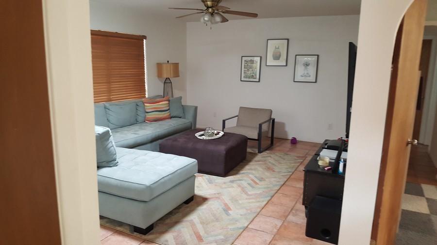 5503_albert_dr_living_room