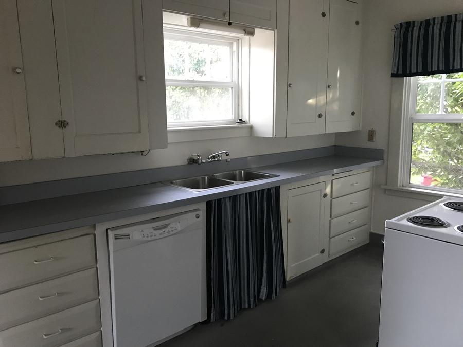 52738_1st_kitchen