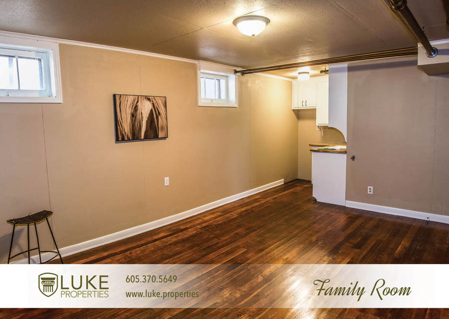 Luke properties 801 s main ave sioux falls sd 57104 house for rent family room
