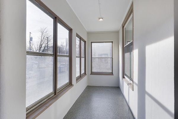 Beautifully remodeled 2 bedroom in NE MPLS