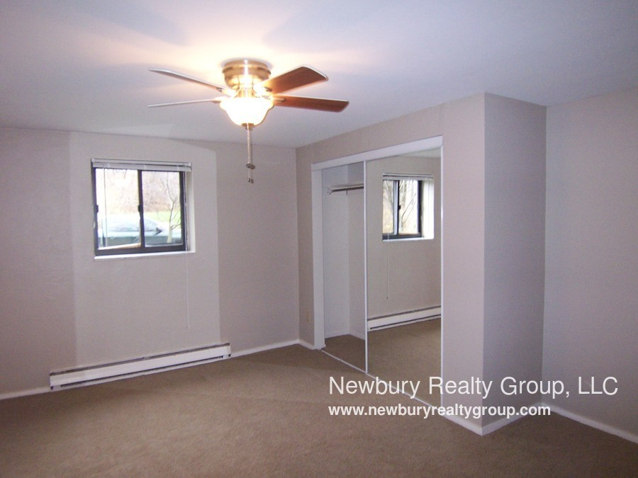 1459 Poplar St ASK ABOUT OUR HOLIDAY SPECIAL First floor 1 Bedroom with patio