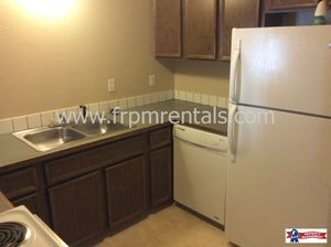 Spacious 2 bedroom, 1 bath lower level apartment *Small Pets Welcome!* - Idaho apartments for rent - backpage.com