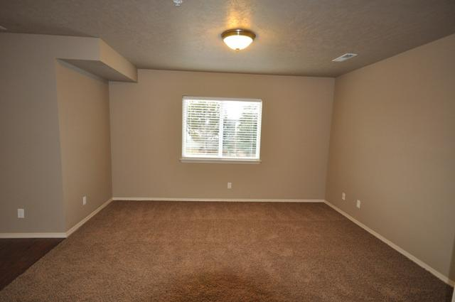 11828 W Fairview Ave Just Like New Apartments with Granite, Hardwood  flooring and WST Paid! In an ideal area for Boise close to Meridian!