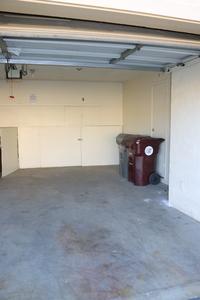 Garage_space