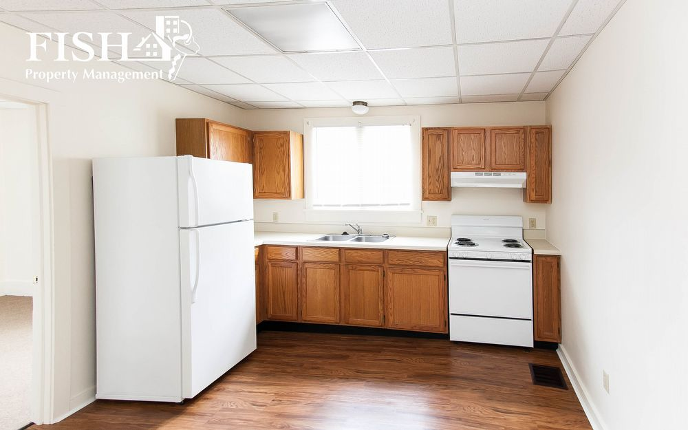630 W. Water Street Students! 3 bedroom apt. 1 block from LHU campus!