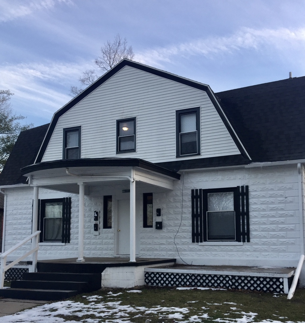 514 E. Center St. 1 bed/1 bath  Water, Trash, and lawn care included!
