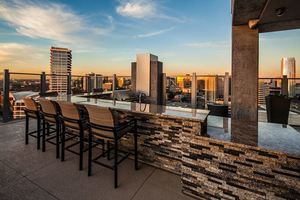 Skydallas_outdoorkitchen2-resize