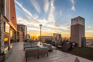 Skydallas_outdoorlounge-resize_1