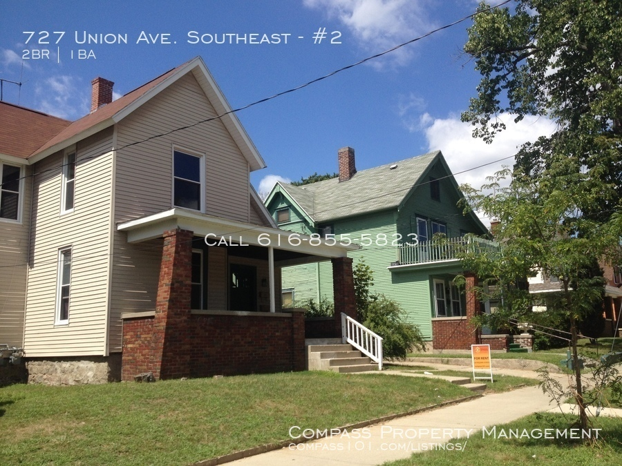 727 Union Ave. Southeast 2 Bed 1 Bath - Upper duplex - Newly remodeled Bath -  Trash Water Lawn Care included