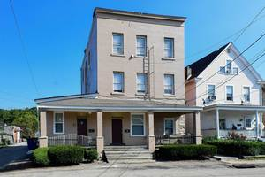1 Bedroom in Carnegie near transit for April 1st - Pittsburgh apartments for rent - backpage.com
