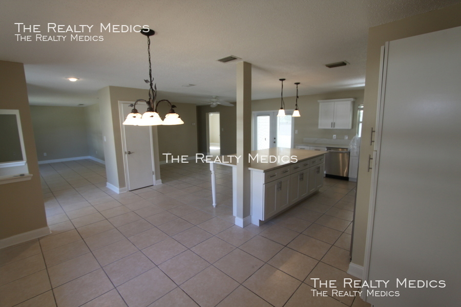 4800 Brenda Dr 3 Bedroom/2 Bath Conway W/ Brand New Kitchen!!