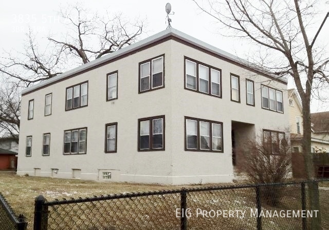 3835 5th Ave S Available 4/1/2018