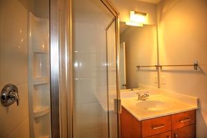12-hall_bath