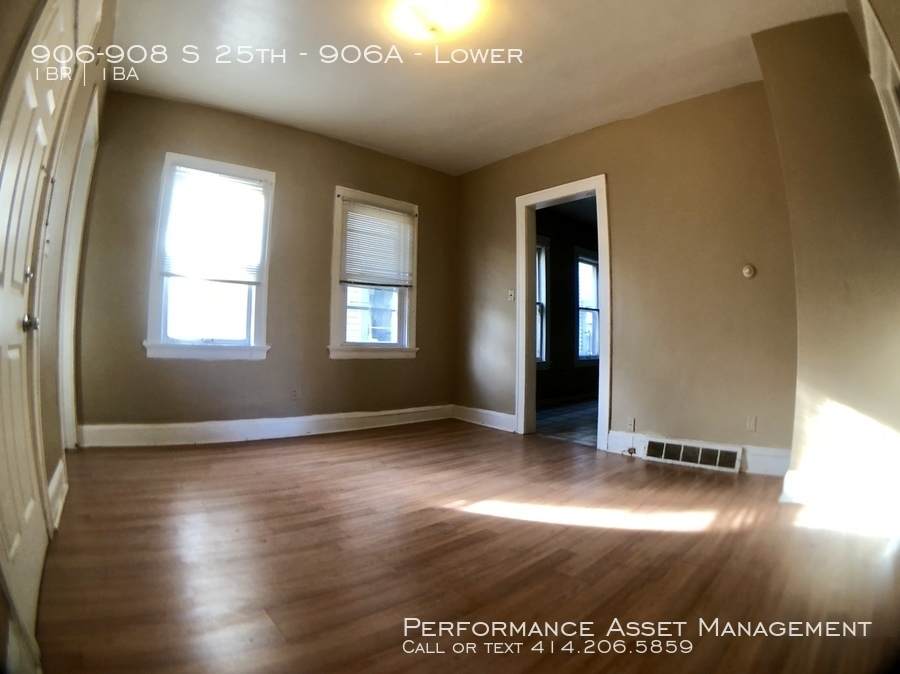 906-908 S 25th - 906A Beautiful 1bd lower on the South Side!
