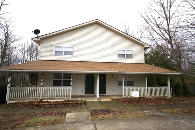 Townhouse for Rent in Hendersonville
