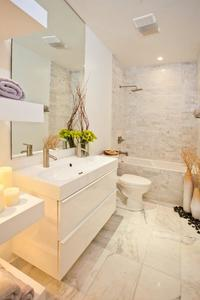 8_master_bathroom