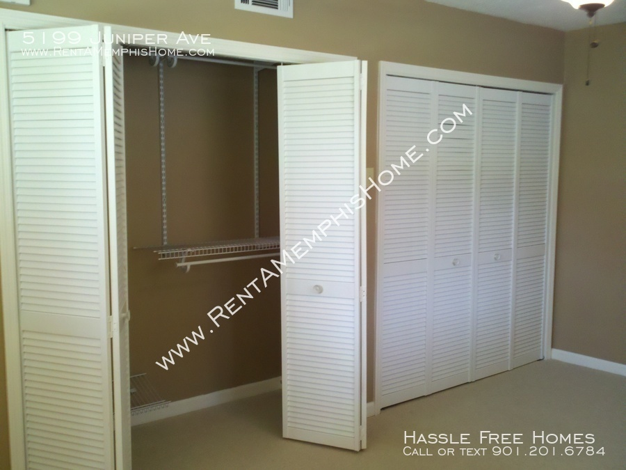 5199 juniper   bedroom closet