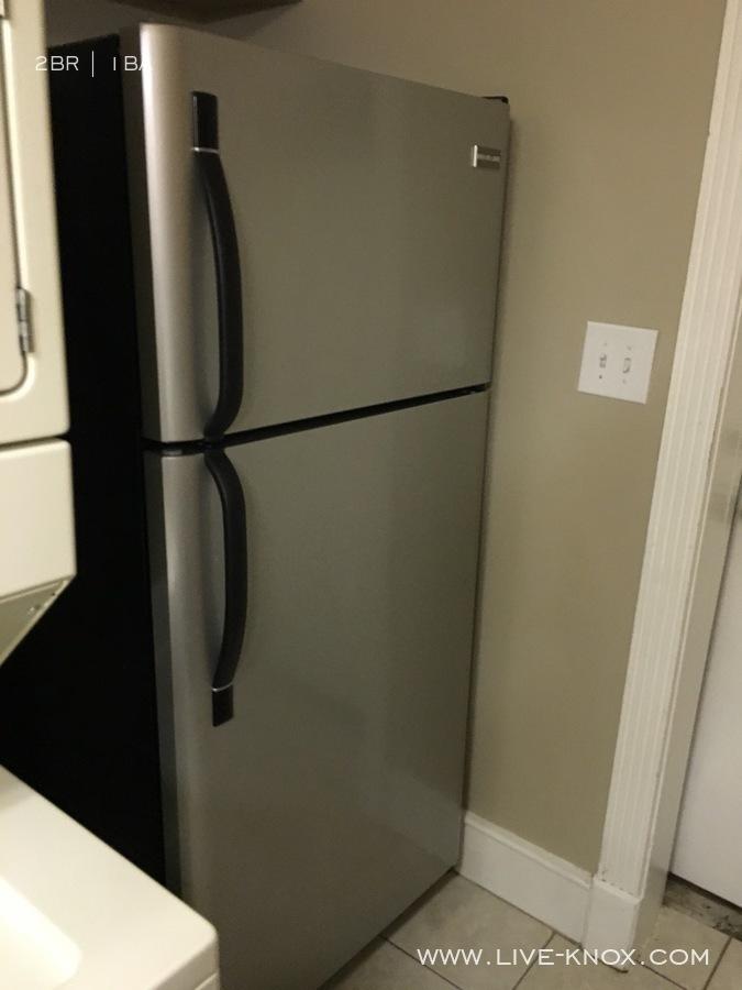 Apt_1_refrigerator