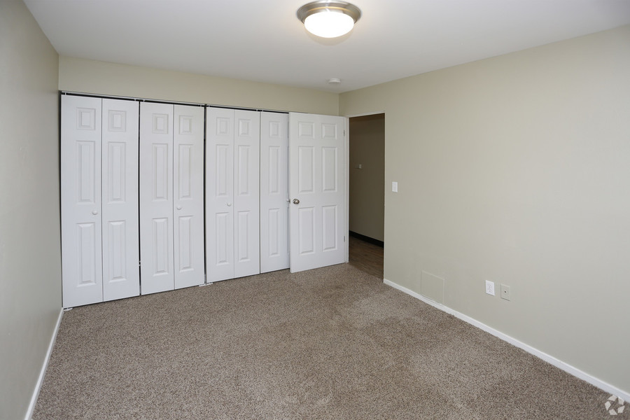 Broadridge-apartments-and-townhomes-littleton-co-2br-2ba---900-sf_(2)