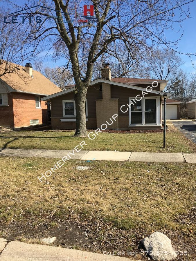 House for Rent in Country Club Hills