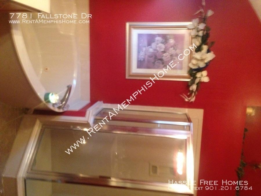 7781 fallstone   master bath shower