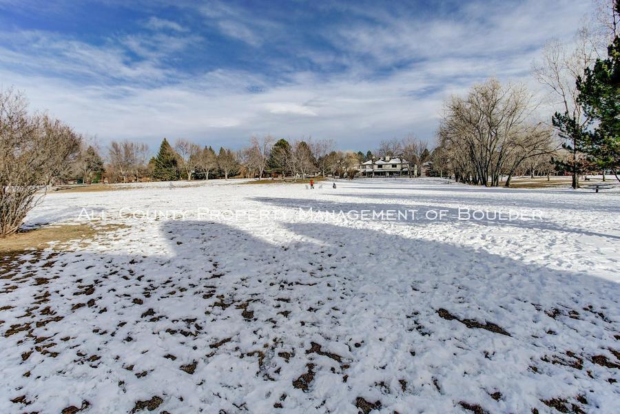 4676 white rock circle  2 park