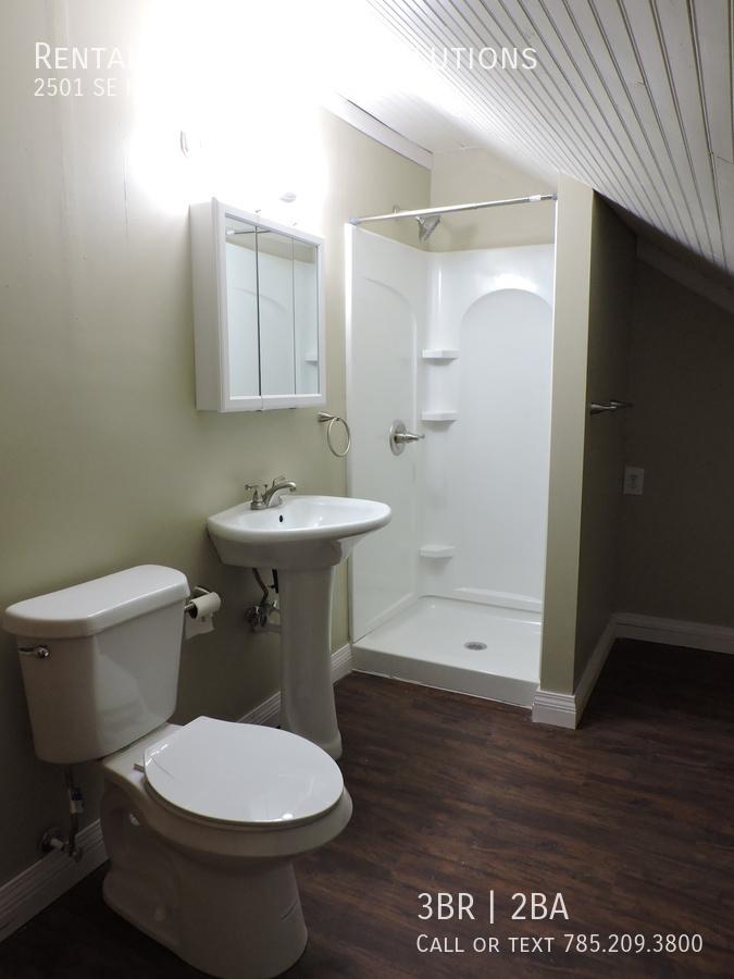 Bathroomupstairs