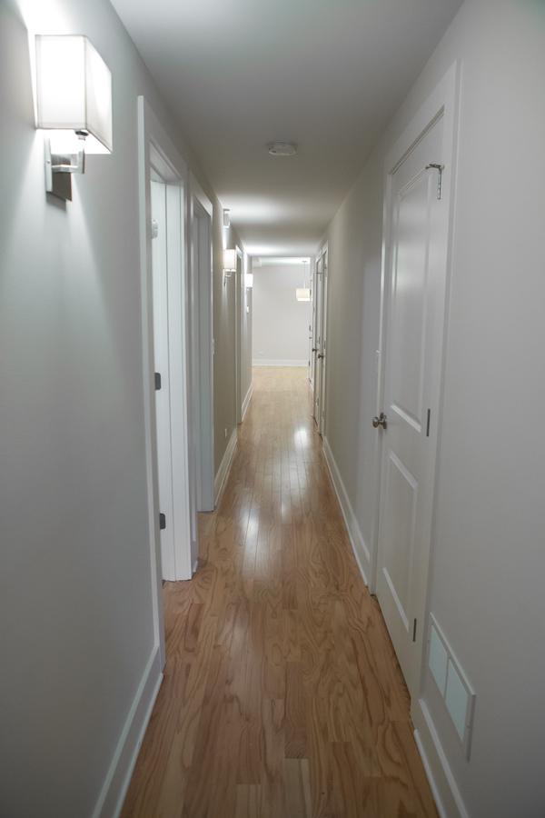3507 n wilton gn hallway