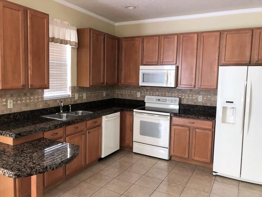 14155_mailer_blvd_kitchen
