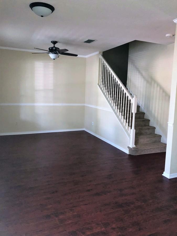 14155_mailer_blvd_living_room