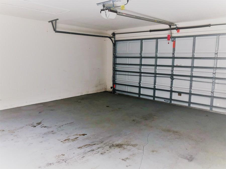 14155_mailer_blvd_garage