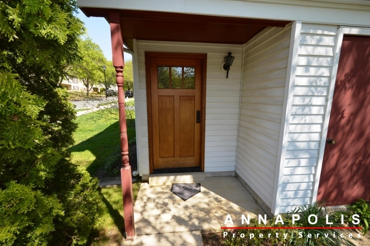 1315-old-pine-court-id922-front-door(1)