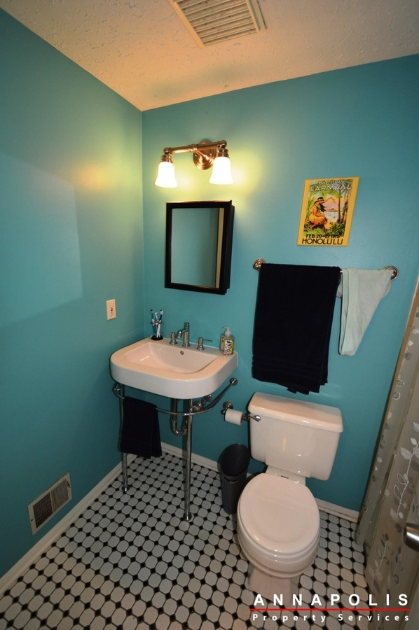 1315-old-pine-court-id922-bath-a
